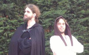 Manu et Luca, des guides inquisiteurs dans les rues de Toulouse.
