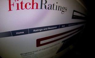 """L'agence de notation financière Fitch a abaissé mardi de deux crans, à """"A+"""", la note de la dette à long terme du Japon, invoquant la dette publique massive du pays, qui équivaut à plus de deux fois son Produit intérieur brut."""