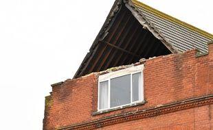 Exemple d'une toiture arrachée par la tempête Dennis, dimanche 16 février 2020. Ici, à Herne Bay, dans le sud est de l'Angleterre.