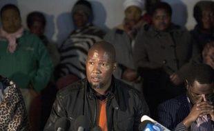 """Les querelles de la famille de Nelson Mandela ont atteint jeudi un nouveau degré d'ignominie avec la révélation publique de secrets d'alcôve, alors que l'icône mondiale reste toujours hospitalisée dans """"un état critique mais stable"""" à Pretoria."""