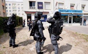 Une perquisition dans le quartier des Grésilles à Dijon, le 18 juin 2020.