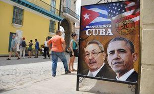Raul Castro et Barack Obama sur une affiche, à La Havane.