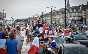 Fête à Bordeaux après le deuxième titre de championne du monde de l'équipe de France de football.