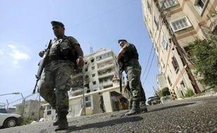 L'armée libanaise traquait mardi le cheikh radical sunnite Ahmad al-Assir, en fuite après la prise la veille de son quartier général près de Saïda (sud), à l'issue de combats au cours desquels 17 soldats ont été tués.