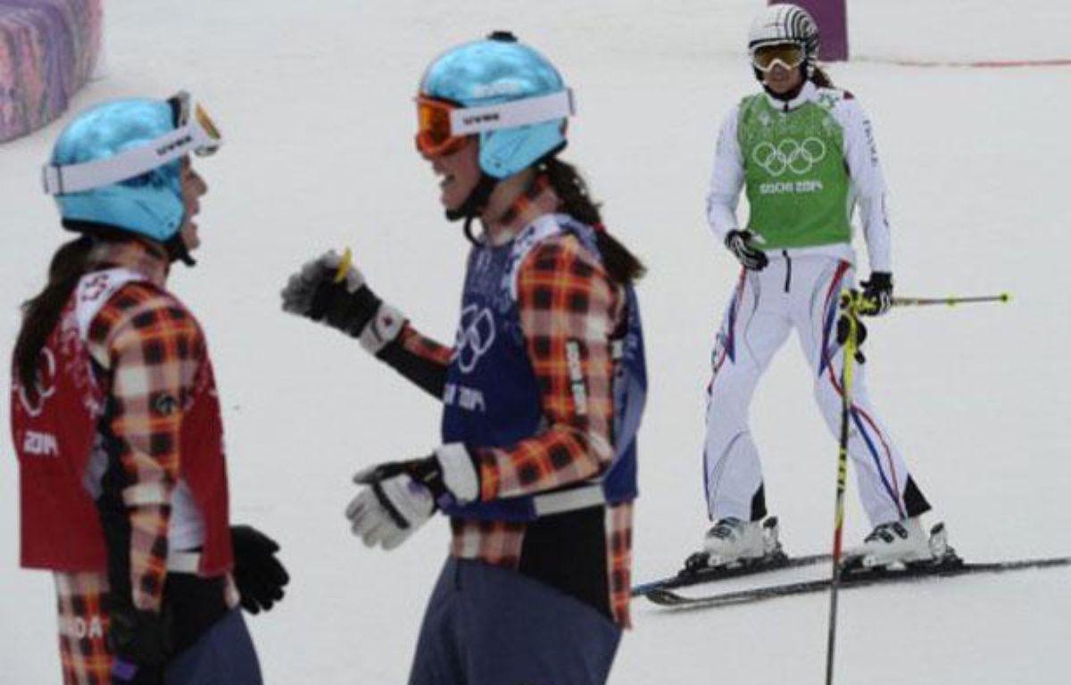 Ophélie David (en blanc), après sa finale olympique à Sotchi, le 21 février 2014. – FRANCK FIFE / AFP