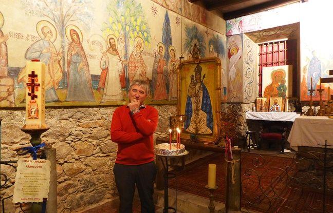 Bertrand Bouissou, président de l'association cultuelle de la Dormition, fait visiter l'église.