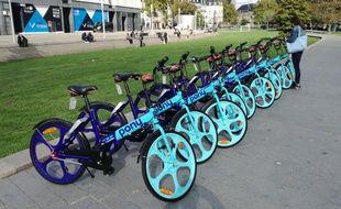 Des vélos en libre-service Pony Bikes à Nantes.
