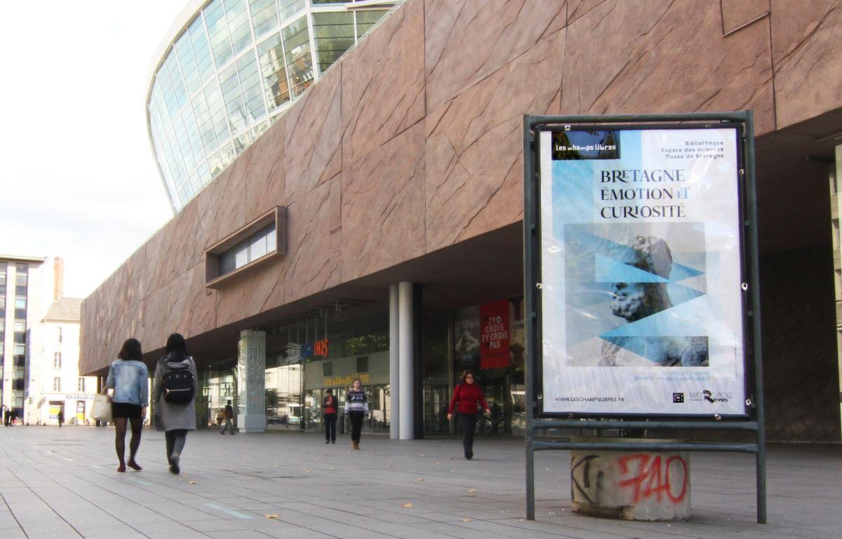 Des panneaux publicitaires numériques devraient être installés non loin des Champs Libres, sur l'esplanade de Gaulle, à Rennes. – C. Allain / 20 Minutes