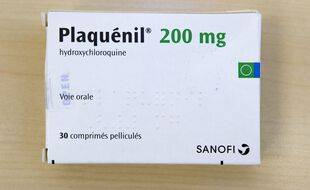 Illustration d'une plaquette de Plaquénil, qui contient de l'hydroxychloroquine.