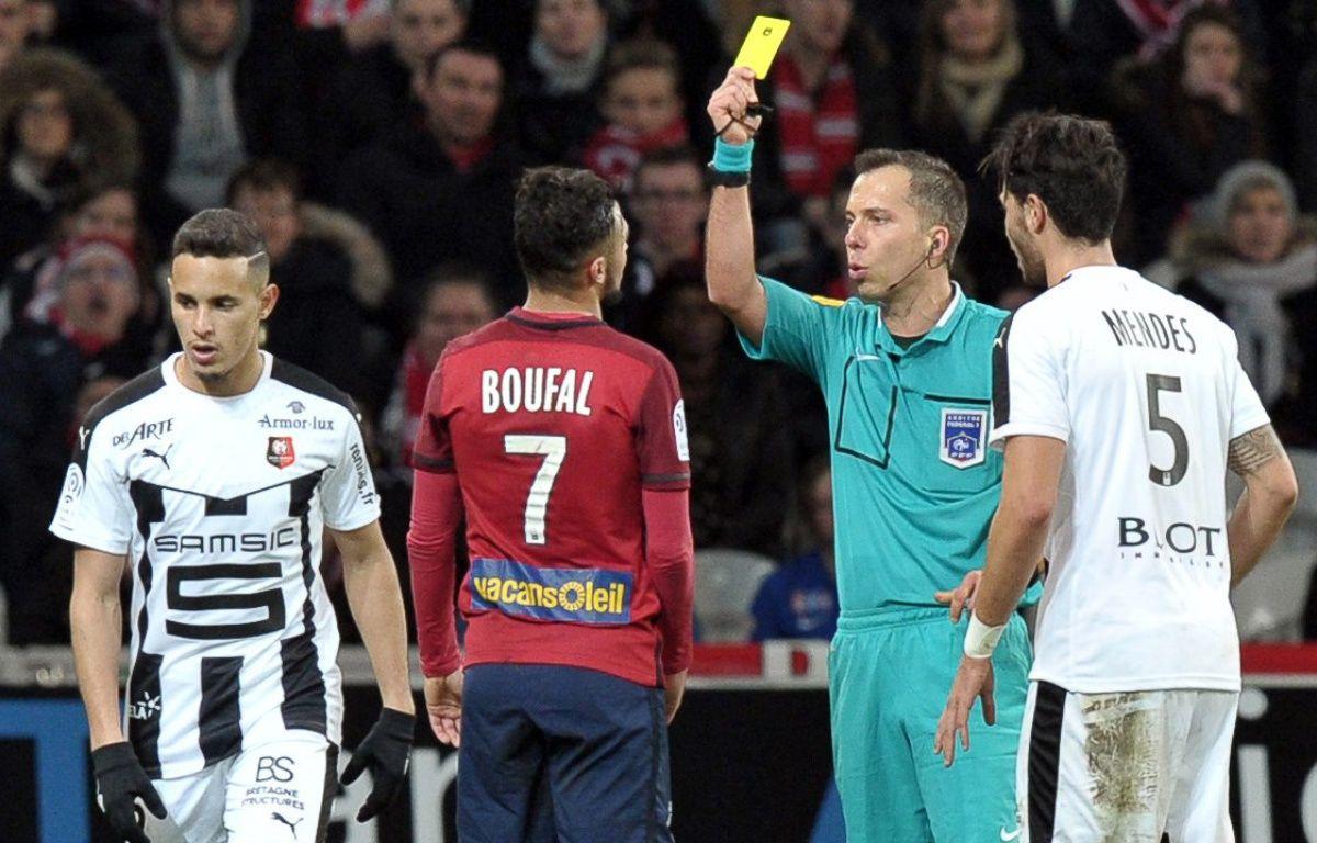 Sofiane Boufal a été expulsé contre Rennes après avoir reçu deux cartons jaunes en cinq minutes. AFP PHOTO / FRANCOIS LO PRESTI – AFP