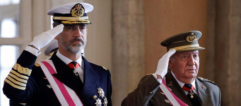 Le roi d'Espagne Felipe VI et l'ancien roi, Juan Carlos.