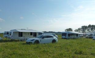 Une famille d'agriculteurs à Genas dans le Rhône, déplore l'installation des gens du voyage sur son terrain pour la deuxième fois en quinze jours.
