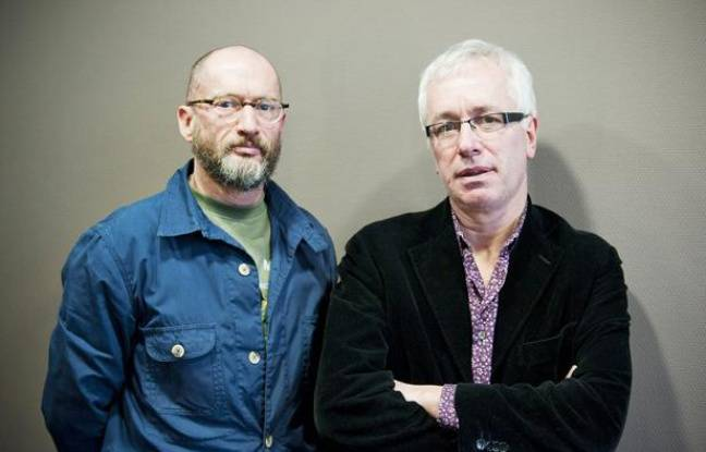 """Portraits de Didier Lestrade et Gilles Pialoux auteurs du livre """"Sida 2.0"""", à Paris le 11 janvier 2012"""