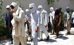 Sur Twitter, le jeune Pakistanais a raconté sa captivité chez les talibans.