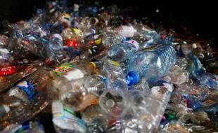 L'Union européenne a publié ce lundi 28 mai une série de mesures qu'elle souhaite voir adopter pour lutter contre les objets plastiques à usage unique.
