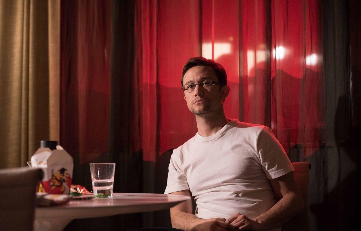 Joseph Gordon-Levitt dans Snowden d'Oliver Stone – Pathé Distribution