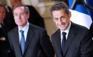 """L'ancien ministre de l'Intérieur Claude Guéant a estimé dimanche, au Forum Radio J, que Nicolas Sarkozy pouvait être """"un recours pour la France"""" mais qu'il devrait """"se soumettre aux primaires"""" à droite s'il veut se présenter en 2017 à la présidentielle."""