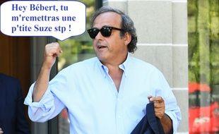Michel Platini vide son sac le plus naturellement du monde.