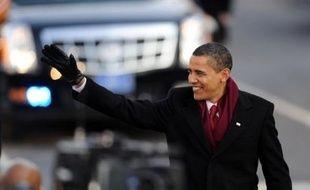 Tout au long de la journée de mardi, une ferveur populaire sans précédent et les félicitations des dirigeants du monde entier avaient porté le jeune président démocrate jusqu'à la Maison Blanche, accompagné de son épouse et de leurs deux filles, Sasha et Malia.