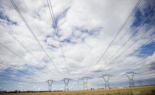 """La France fait face à un risque de pénurie d'électricité cet hiver en cas de conditions """"très défavorables"""", avec un grand froid et des retards dans le lancement de centrales thermiques en Allemagne, a reconnu mercredi le ministre de l'Energie Eric Besson"""
