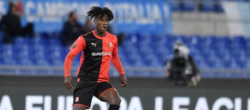 Le jeune joueur du Stade Rennais Eduardo Camavinga, ici lors du match de Ligue Europa face à la Lazio de Rome, a été naturalisé français.