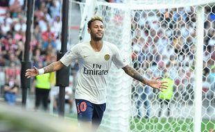 Neymar célèbre son doublé inscrit contre Nice, le 29 septembre 2018 en Ligue 1.
