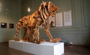 Le lion mécanique de Léonard de Vinci, ici exposé à l'Institut culturel italien, à Paris, en septembre 2019.