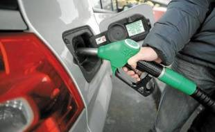 Le prix de l'essence continue de grimper.