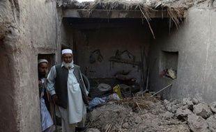 Un séisme de magnitude 5,6 a fait treize morts et des dizaines de blessés et provoqué l'effondrement de nombreuses maisons mercredi dans le sud-est de l'Afghanistan, près de la frontière avec le Pakistan, ont annoncé les autorités.