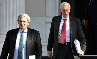"""La finalisation de l'accord sur l'effacement d'une partie de la dette de la Grèce """"va anéantir le danger systémique"""" qui menace la zone euro, a estimé Francesco Garzarelli, cadre de la banque d'affaires Goldman Sachs, dans un entretien paru dimanche dans un journal grec."""