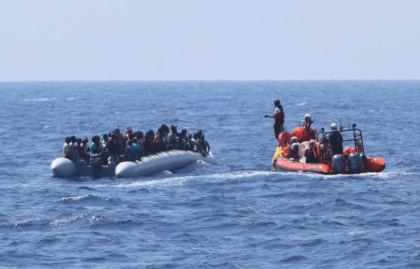 Méditerranée : L'Ocean Viking à la recherche d'un « port sûr » pour débarquer 176 migrants secourus dans le week-end