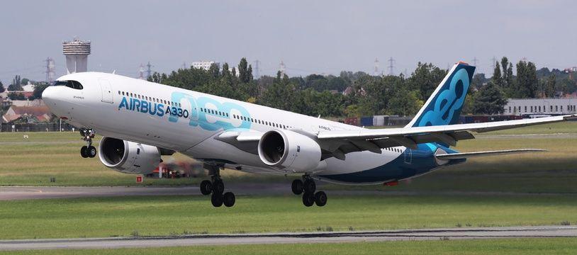 Un Airbus A330 en démonstration lors du salon aéronautique du Bourget, le 17 juin 2019.