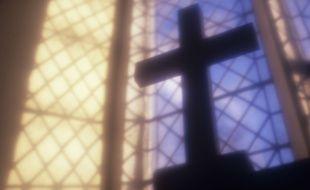 Illustration d'un crucifix au sein d'une église.