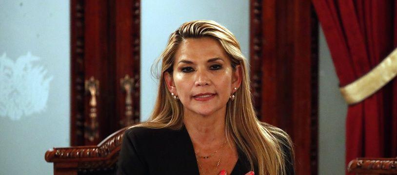 La sénatrice Jeanine Añez s'est proclamée  présidente par intérim de la Bolivie le 12 novembre 2019.