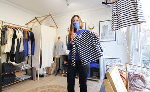 Aurélie Sevaux a fondé la marque de vêtements Patrimoine, installée à Cesson-Sévigné. Ses confections sont vendues au sein du pop-up store des Rennes de Noël.