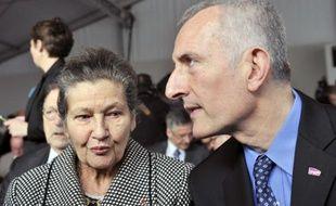 Simone Veil et Guillaume Pepy, le 25 janvier 2011 à Bobigny, où le président de la SNCF a reconnu le rôle de sa compagnie dans la déportation des juifs.