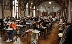 Environ 500.000 candidats aux séries générale et technologique entament lundi les grandes épreuves du baccalauréat 2008 par la philosophie, les candidats au bac professionnel commençant eux, comme chaque année, une semaine plus tard.