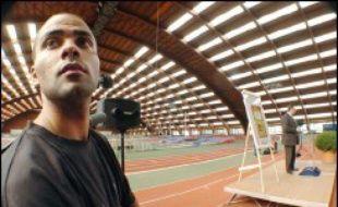 Le ministre de la Jeunesse et des Sports, Jean-François Lamour, a inauguré mardi la nouvelle halle Joseph Maigrot, rénovée dans le cadre d'un plan de modernisation de l'Institut national du sport et de l'éducation physique (Insep), en présence d'un ancien élève, l'international de basket-ball Tony Parker.