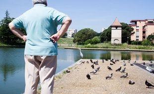 Le lac de la Reynerie, vu depuis la place Abbal, à Toulouse.