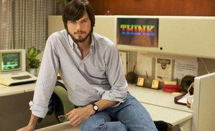 Ashton Kutcher incarne Steve Jobs dans le biopic de Joshua Michael Stern