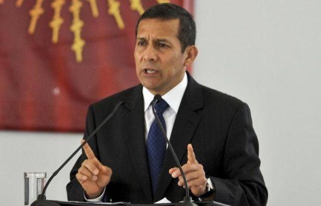 """Il a promis """"l'or et l'eau"""" mais un an après son investiture, le président péruvien Ollanta Humala est pris en étau entre conflits sociaux et environnementaux et le développement de l'industrie minière au coeur du boom économique du pays, selon les analystes."""