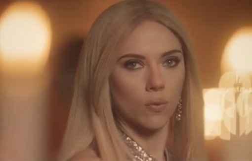 Scarlett Johansson en Ivanka Trump dans un sketch du Saturday Night Live diffusé en mars 2017