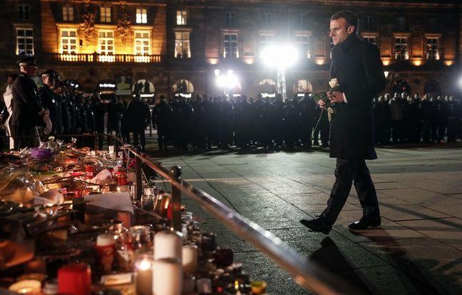 Attentat à Strasbourg: Emmanuel Macron dépose une rose blanche sur la place Kléber
