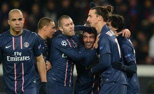 Les joueurs du PSG après le deuxième but parisien contre Porto, mardi 4 décembre 2012