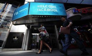 La plate-forme boursière Nasdaq a annoncé mercredi qu'elle créait un fonds d'indemnisation de 40 millions de dollars pour indemniser les investisseurs qui auraient perdu de l'argent à la suite des problèmes techniques rencontrés pendant le lancement de l'action Facebook.