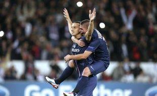 Ibrahimovic et Thiago Silva buteurs mardi contre Kiev en ouverture du groupe A de la Ligue des champions, le Paris SG peut tirer un coup de chapeau aux deux transfuges de l'AC Milan achetés à prix d'or, qui ont tué le match après 30 minutes de jeu à peine (4-1).