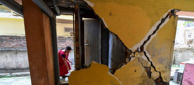 Un bâtiment touché par le séisme du 28 avril 2021 dans l'Etat d'Assam en Inde.