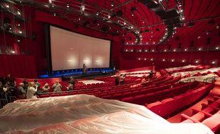 Le musée du cinéma de Los Angeles contient une salle de cinéma de 1.000 places.