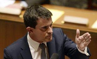 Le Premier ministre français Manuel Valls devant l'Assemblée nationale après sa déclaration de politique générale le 8 avril 2014 à Paris