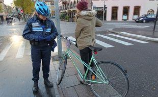 Strasbourg: Faute de bons résultats, c'est la fin de l'expérimentation strasbourgeoise d'amendes minorées pour les cyclistes. (Archives)
